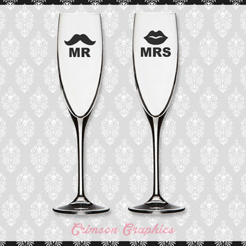 Mr. and Mrs. 'Stache and Lips Wedding Gift Set || Toasting Flute Champagne Set