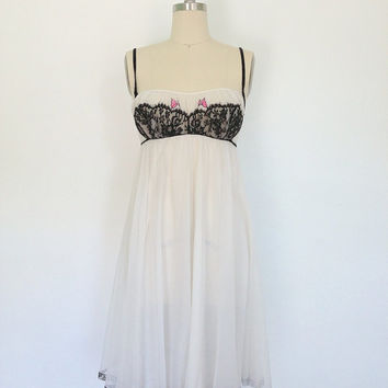 1960s Nightgown Lingerie / Nightie / Claire Sandra for Lucie Ann Beverly Hills / Pink Tulips Black Trim / Size 32 Bust Small S