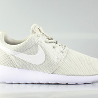 Nike Women's Roshe Run Light Bone