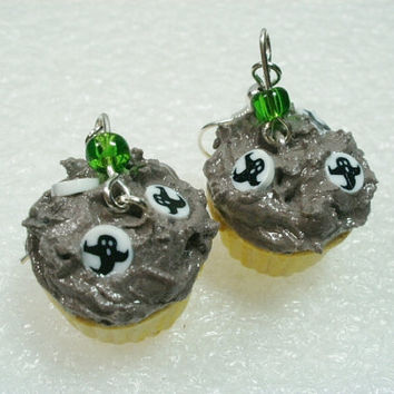 Ghost Cupcake Earrings. Polymer Clay.