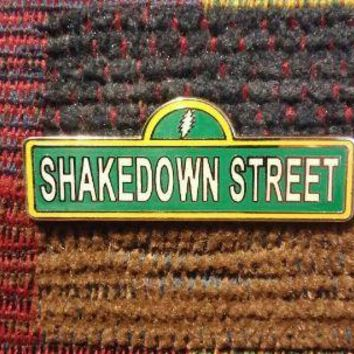 Dead Head Shakedown Street Sign Lapel Hat Pin