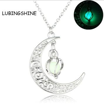 LUBINGSHINE Moon Pendant Necklace Glow In The Dark