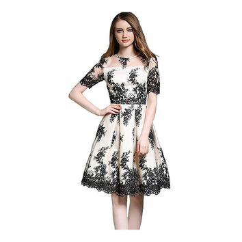 O-neck Short Sleeves Illusion A-line Cocktail Dresses Knee-Length Beige with Black Lace Formal Dress