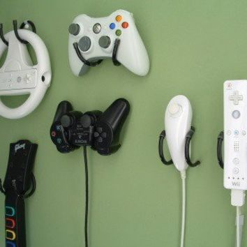 Game Controller Wall Clip - Xbox 360 Wii PlayStation Storage and Organizer - 4 Pack, Black