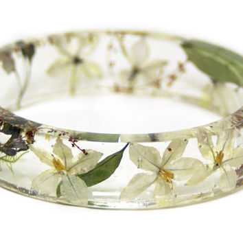 Flower Jewelry- Real Flower Bangle- Real Flower Resin Jewelry - Jewelry made with yellow Flowers- bridesmaid gift - White Flower Bracelet