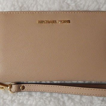 Michael Kors Wristlets Oyster Large Flat Multi Function Phone Case Leather $108