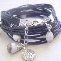 Pearly IN GREY BLACK wrap bracelet from seeds