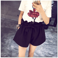 Korean version of sweet wild wood ear bud lace shorts