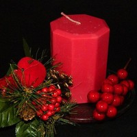 Strongly Scented Holly Berry Octagon Shaped Red Candle Handmade