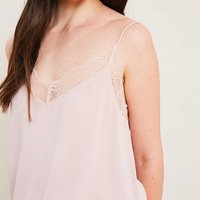 v-neck sleeveless lace trimmed camisole top - blush