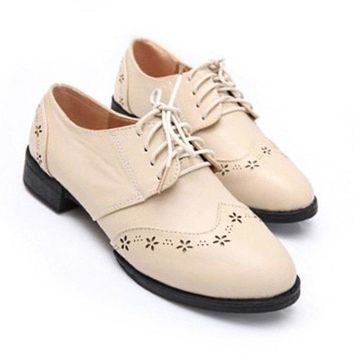 Retro Style Lace Up Round Toe Carving Oxford Flat Shoes