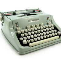 1968 Hermes 3000 Typewriter / Made in Switzerland / with Metal Case