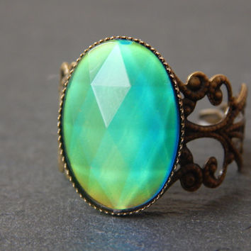 Faceted Mood Ring in Vintage Style Antique Bronze - Mood Rings - Mood Ring - Mood Jewelry - Colour Changing Ring - Filigree Mood Ring