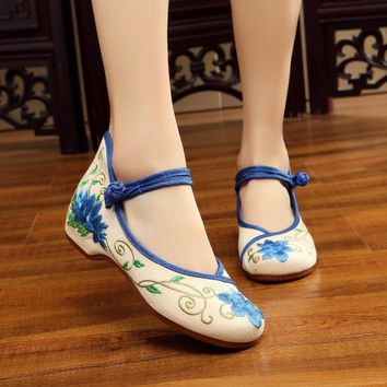 2018 Fashion Women Spring AutumnNew Design Chinese style Mary Janes Flat Casual Canvas Embroidered Comfortable Flower Shoes