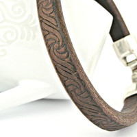 Thick dark brown carved spanish leather bracelet with zamak clasp