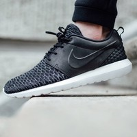 Nike Roshe Run Flyknit Black Sneakers