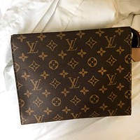 Trulym Louis Vuitton LV Women Makeup Bags Men's Business Bag Classic Leisure  Handbag Clutch Bag