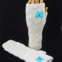 Fingerless Mittens in White, Catching Butterfly Fingerless Mittens, Handknitt butterfly Mittens