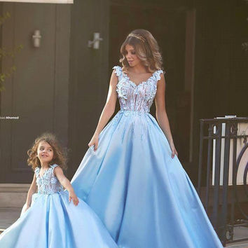 2016 Blue A Line Flower Girl Dresses For Little Girl Mother And Daughter Dresses Girls Pageant Dresses Communion Dresses F27