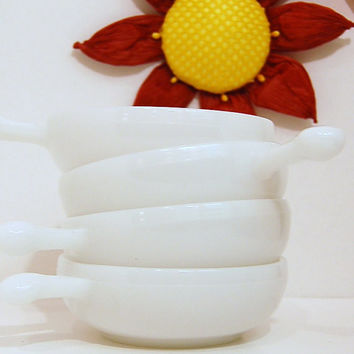 Milk Glass Bowls/White Set of 4 Soup Bowls Casserole Dishes with Handle Midcentury Retro Hip
