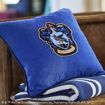 HARRY POTTER™ House Patch Ravenclaw™ Pillow Cover