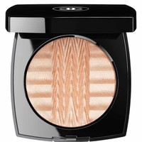 CHANEL - PLISSÉ LUMIÈRE DE CHANEL ILLUMINATING POWDER