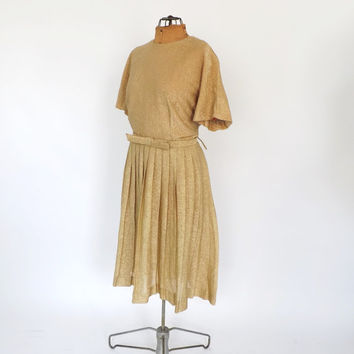 Vintage 1960s Metallic Sparkly Gold Lame Mini dress Size Large Prom Cocktail Party Dress Wedding Avant Garde Pleated Tea Dress Plus Size
