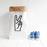 Paperbag / storage bag / toy storage / storage of books magazines / laundry basket / white kraft hanprinted / Victory / V sign / Peace