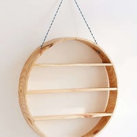 Leona Hanging Circle Shelf | Urban Outfitters