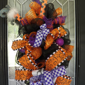Halloween Witch Wreath, Halloween Decoration, Door Hanger, Wreath for Door, Front door Wreaths, Deco Mesh, Ready to ship