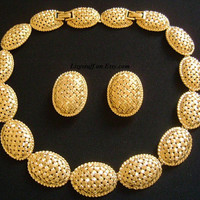 Stunning NINA RICCI Textured Yellow Gold Plated Basketweave Design Classic Oval Dome Shaped Bold Panel Collar Necklace & Earrings Set 113.7g