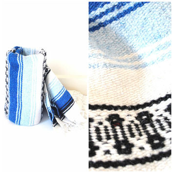 vintage MEXICAN serape throw blanket / SOUTHWESTERN blue and white knit blanket