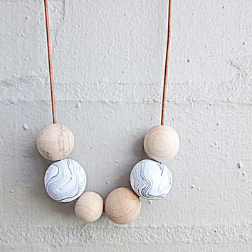 NL-221 White and Black Swirl Marble Pattern Polymer Clay and Wooden Round Beads Necklace with length Adjustable Natural Colour Leather Cord