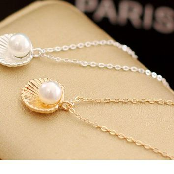 Pearly Shell Pendant Necklace
