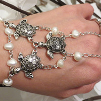 Turtle Pearl Slave Bracelet Ring, Turtle Jewelry, Freshwater Pearl, Sea Turtle, Beach Jewelry, Slave Bracelet, Bracelet Ring, Hand Chain