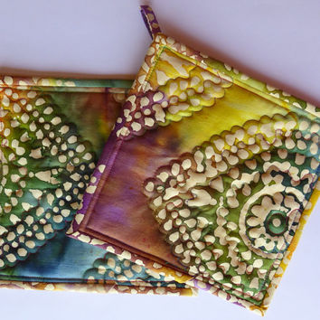 Quilted Kitchen Pot Holders - Hot Pads - Rainbow Batik