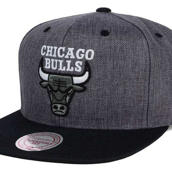 Chicago Bulls Mitchell and Ness NBA Cation 2Tone Snapback Cap