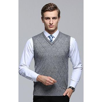 Classic Design Pattern Men's Plaid Formal Casual Vest Sweater Male Sleeveless V-Neck Knitted Wool Pullover Vest