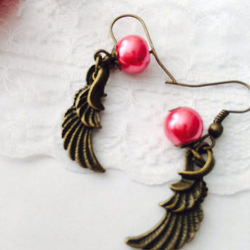 Pearls Angel Wings Earrings - Antique bronze - wing charm- Pearls earrings -Steampunk