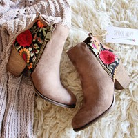 Lovell Boots in Taupe