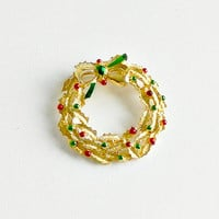 Vintage Gerrys Christmas Brooch. Holiday Wreath Pin. Gold Red & Green Enamel Christmas Pin.