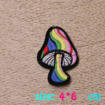 2016year New arrival 1PC colorful Mushroom Iron On Embroidered Patch For Cloth Cartoon Badge Garment Appliques DIY Accessory