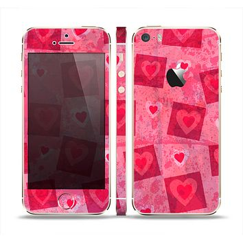 The Pink and Red Hearts in Blocks Skin Set for the Apple iPhone 5s