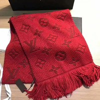 LV Louis Vuitton trend women's wild autumn and winter models warm cashmere scarf red