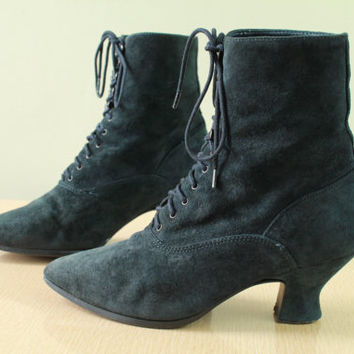 80s -  Witchy - Goth - Navy - Suede Leather - Lace Up - Victorian Revival - Granny Boots - 7.5