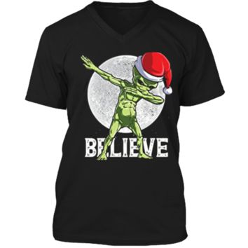 Dabbing Alien Believe Christmas Santa UFO Hat Gifts Mens Printed V-Neck T