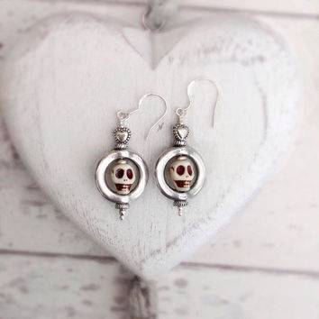 white skull earrings, sterling silver, skull drop earrings, day of the dead, skull jewellery, sugar skull earrings, gothic earrings,