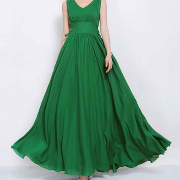 Green V-Neck Ruffled Sleeveless Maxi Dress