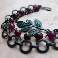 Black brass garnet bracelet, 3-strand, black metal, brass chain and leaf / natural garnet, oxidized brass