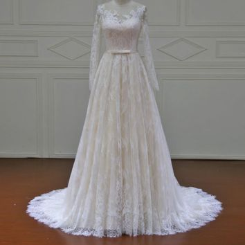 Beach Wedding Dresses long sleeves color Court Train Lace Bridal Gowns See though back Button